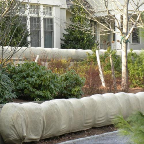 Daybag Plain Burlap Windbreak Application
