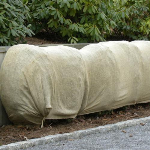 Daybag Plain Burlap Windbreak Application